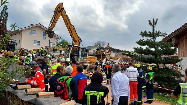 Wohnaus explodiert im Ostallgäu: 2 Tote geborgen