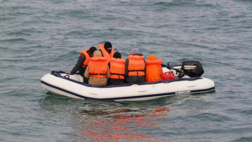 نجات قایق ۹ پناهجوی سرگردان در کانال مانش