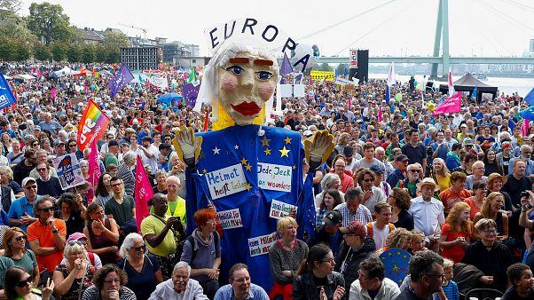 راهپیمایی اروپاییان در حمایت از اتحادیه اروپا و علیه راستگرایانافراطی