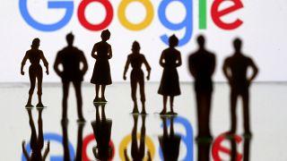 ماكرون يشن هجوما على غوغل