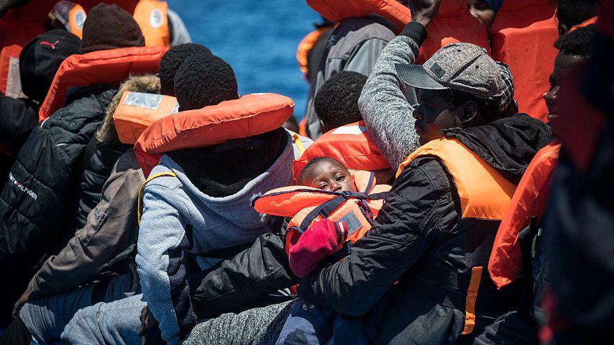 نجات دهها مهاجر از سوی دیدهبان دریایی با وجود مخالفت شدید ایتالیا