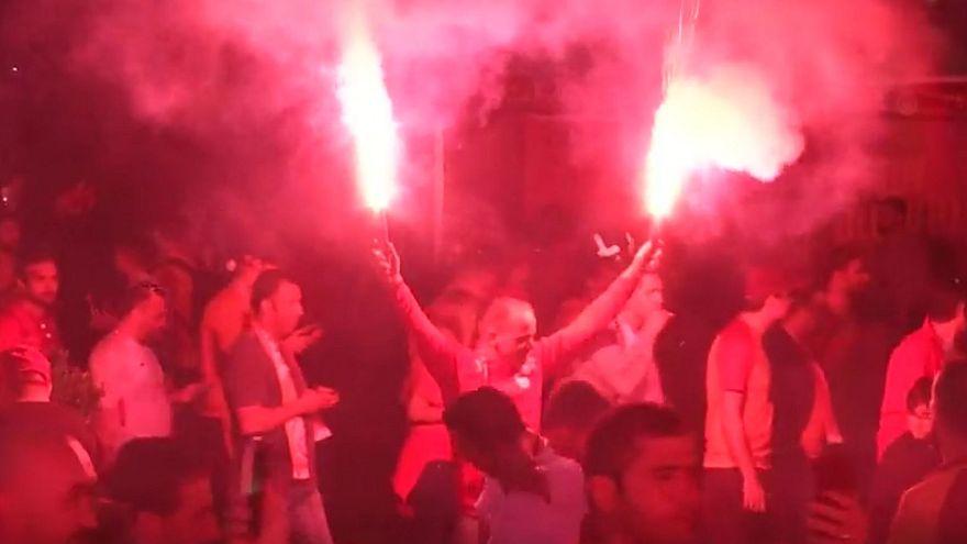 Münih polisinden şampiyonluğu kutlayan Galatasaray taraftarlarına Türkçe mesaj