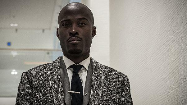 Şarkısında 'Fransa'yı yakarım' diyen Fransız rapçinin klibi ülkede tartışma yarattı