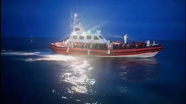 وزير الداخلية الإيطالي غاضب بسبب استقبال مهاجرين أُنقذوا من الغرق