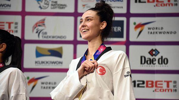 Dünya Tekvando Şampiyonası'nda milli sporcu İrem Yaman altın madalya kazandı