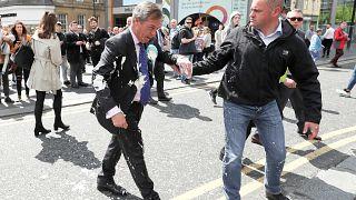 توجيه الاتهام لرجل رشق زعيم حزب بريكست بالحليب المخفوق