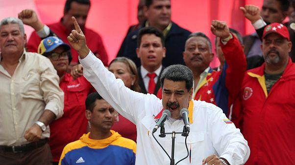 Maduro előrehozott választásokat javasol