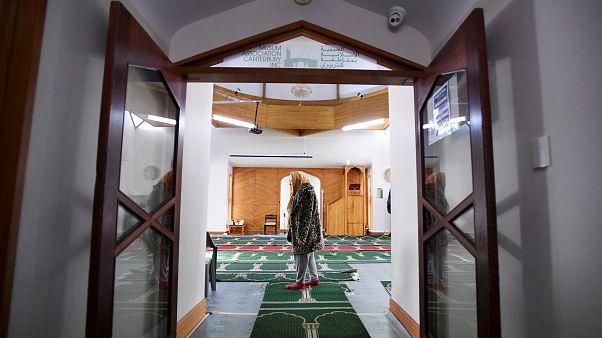 Yeni Zelanda'da terör saldırılarının yaşandığı camilere kiliseden 100 bin dolarlık bağış