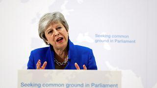 Theresa May'den Brexit için 'son çare': Yeni referandum yapabiliriz