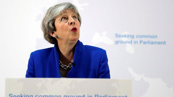 Második brexit népszavazást lebegtetett be Theresa May