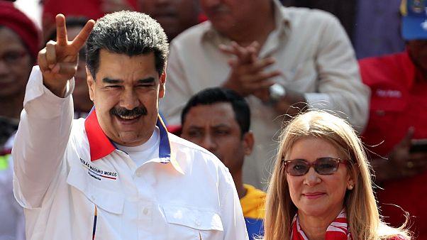Мадуро - за досрочные выборы парламента