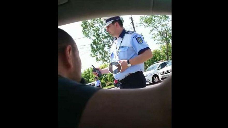 Polizei fragt Bürger nach Passwort, um in die eigene Stadt zu kommen