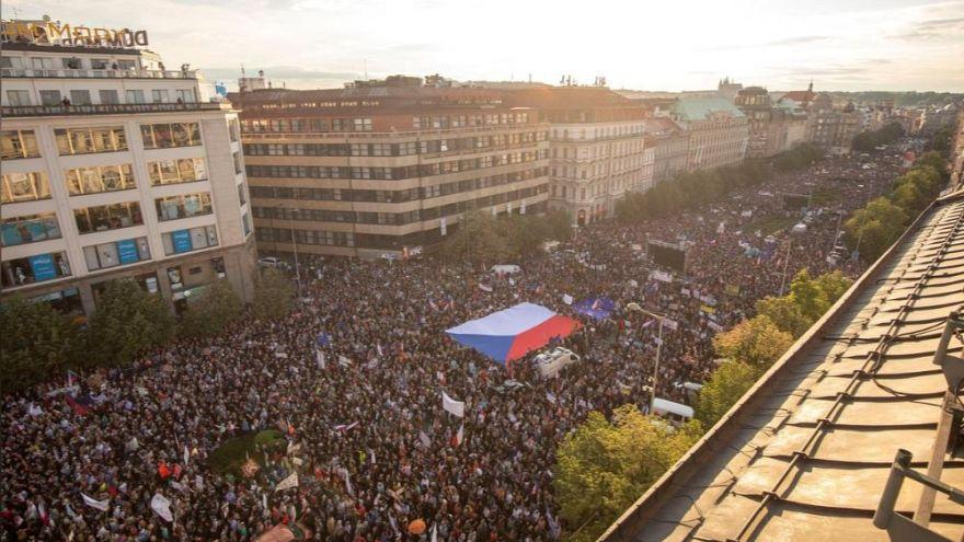 Ismét több tízezren tüntettek Csehországban a kormány ellen