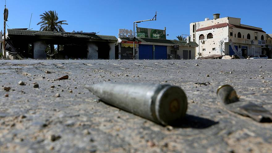 Триполи: меж двух огней