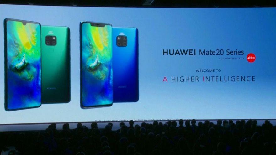 Vodafone suspende compras de telemóveis 5G da Huawei