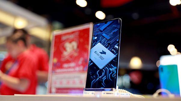 Vodafone y EE retiran sus móviles Huawei de sus redes 5G