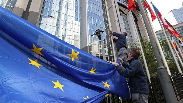 EU-Wahl: Irland und Tschechien stimmen ab