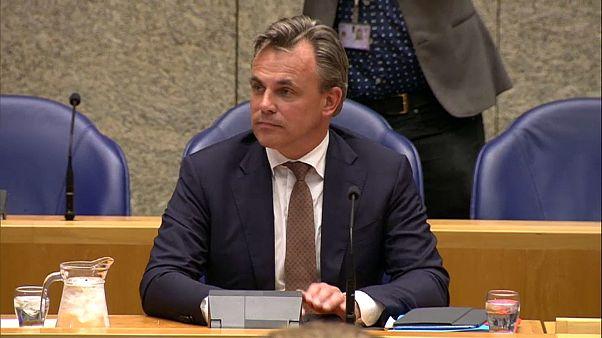 استقالة وزير هولندي بسبب تلاعب بتقرير يخص جرائم ارتكبها طالبو لجوء