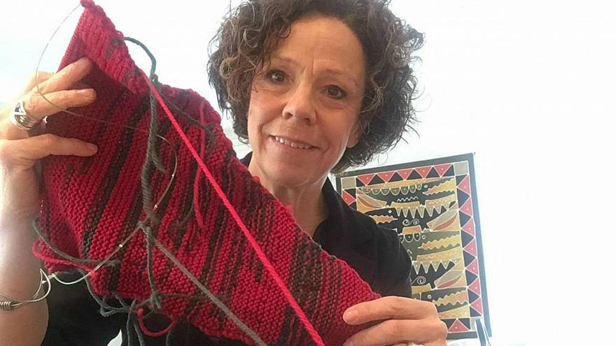 Good yarn? Red in mayor's scarf highlights 'male dominance' at council meeting