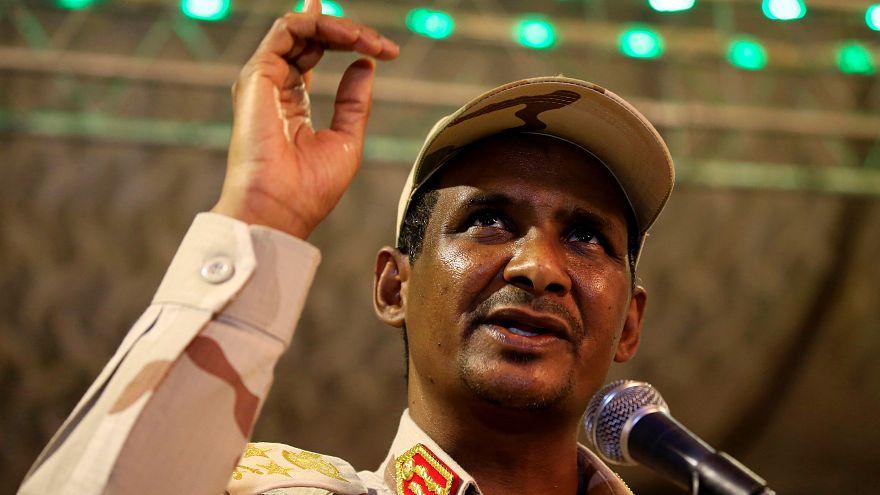 الفريق ركن محمد حمدان دقلو نائب رئيس المجلس العسكري الحاكم في السودان