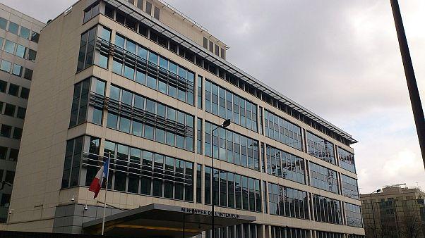 Francia: le pressioni dei servizi sulla stampa, i sindacati denunciano