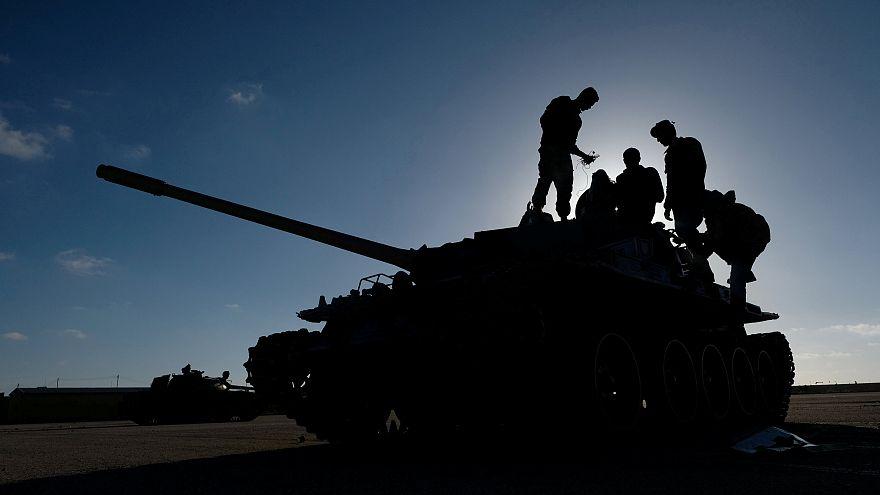 خلیفه حفتر در ملاقات با ماکرون: شرایط در لیبی برای آتشبس مهیا نیست