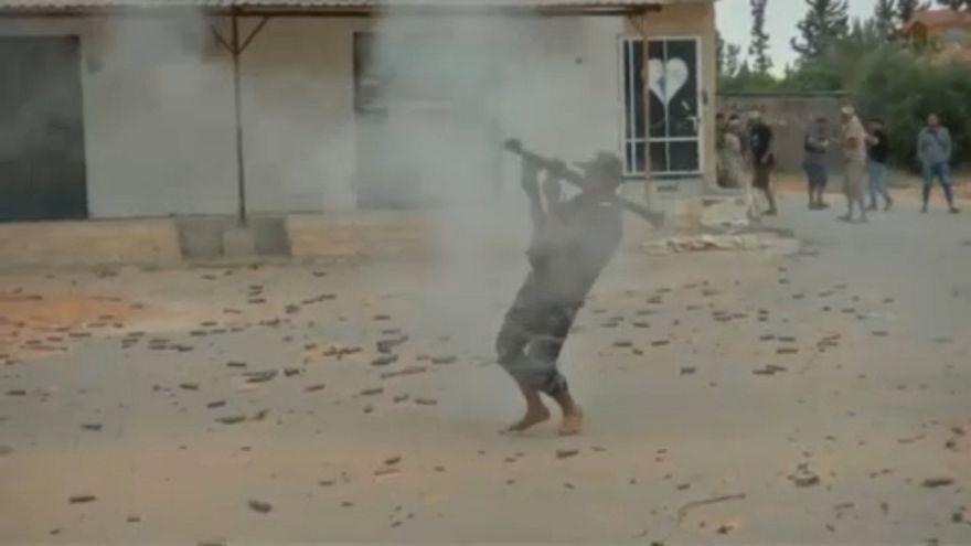 Combates pelo controlo de Tripoli intensificam-se