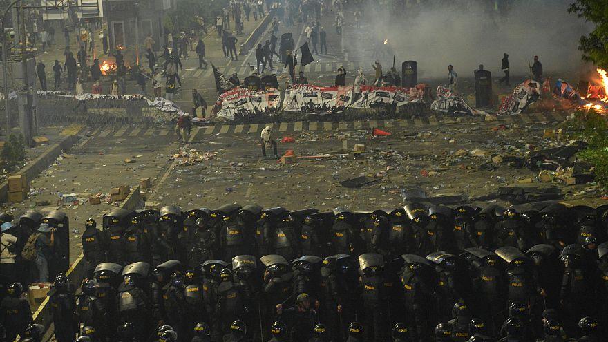 درگیری پلیس اندونزی با معترضان به نتیجه انتخابات ریاست جمهوری