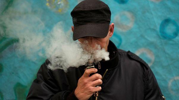 دراسة تكشف فوائد السجائر الإلكترونية في الإقلاع عن التدخين