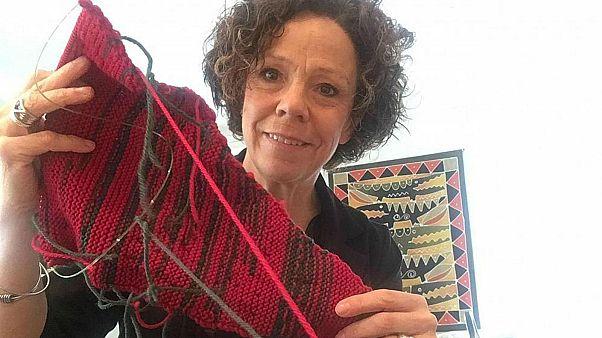 Au Canada, elle tricote pour dénoncer les inégalités hommes-femmes