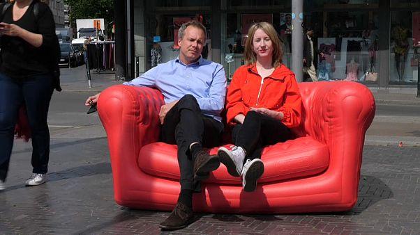#EURoadtrip: Auf dem roten Sofa in Molenbeek