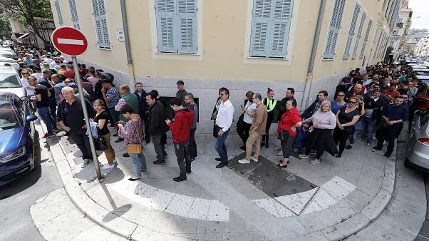 Romanian expats queued for hours, incluing here in Nice, France