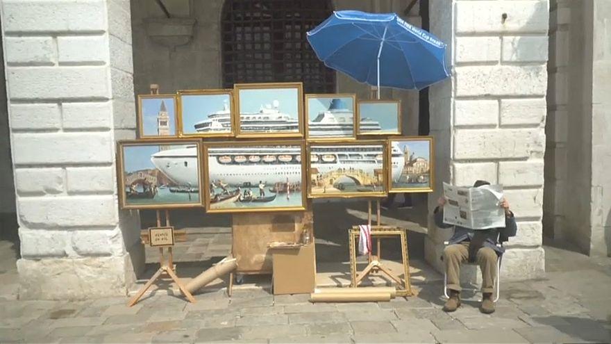 Banksy aparece 'sem convite' em Veneza