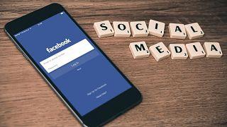"""""""فيسبوك"""" يحذف 2.2 مليار حساب وهمي أكثرها يروج لأعمال غير قانونية"""