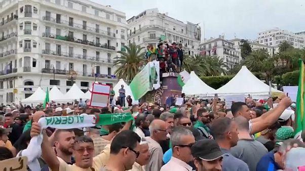 شاهد: مظاهرات الجمعة الـ 14 بالجزائر وسط إجراءات أمنية غير مسبوقة