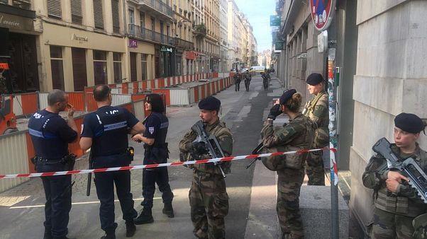 Un colis piégé explose dans une rue piétonne de Lyon, au moins 13 blessés