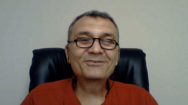 Pasaportunu alan Prof. Dr. Haluk Savaş: Toplumun vicdanının ne kadar diri olduğunu gördüm