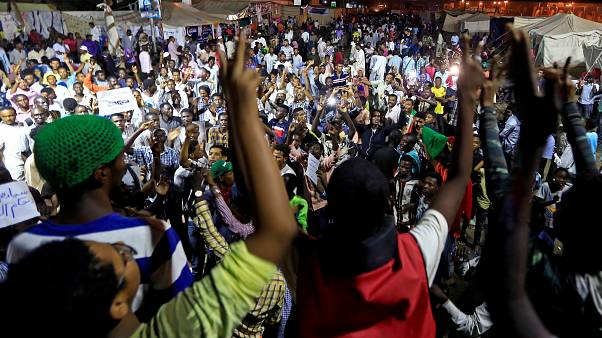 احتجاجات مستمر في العاصمة السودانية الخرطوم من أجل إرساء سلطة مدنية
