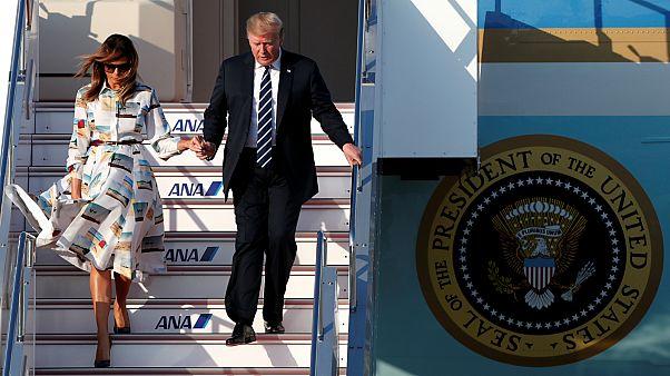 الرئيس الأمريكي ترامب بصحبة زوجته