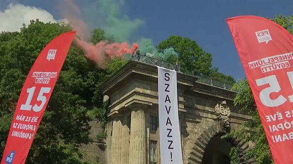 """Wahlkampf-Finale in Österreich/Ungarn: """"Szavazz!"""" - """"Geht wählen"""""""