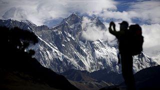 Zahl der toten Bergsteiger am Mount Everest steigt auf zehn
