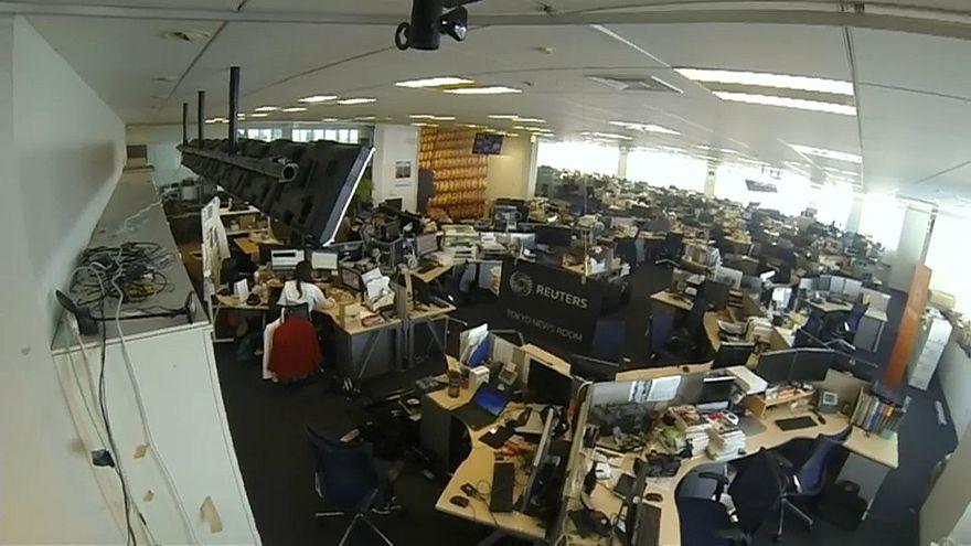 لقطات من داخل مكتب وكالة رويترز في طوكيو