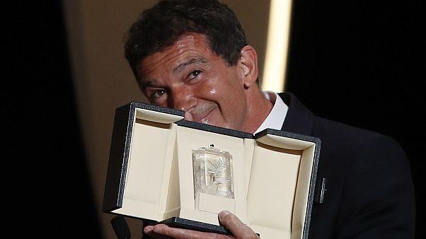 'Parasite' se lleva la Palma de Oro de Cannes y Banderas, mejor actor