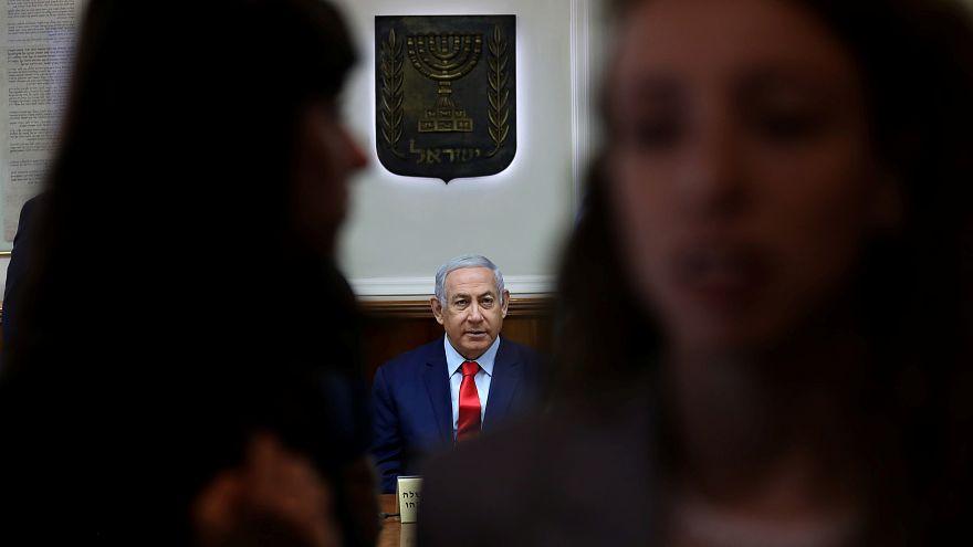 إسرائيليون يحتجون على تحركات لمنح نتنياهو حصانة وتقييد سلطة المحكمة العليا