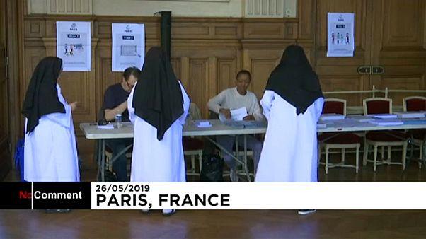 Europawahlen: In Paris gehen auch Nonnen wählen
