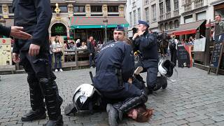 Belçika'da sarı yelekli eylemcilere sert müdahale