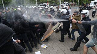 """""""Coletes amarelos"""" protestam contra UE"""