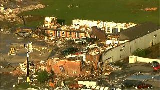شاهد: إعصار أوكلاهوما يخلف المزيد من القتلى والدمار