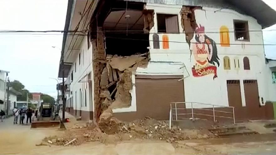Perú se recupera de un sismo de casi 8 puntos de magnitud