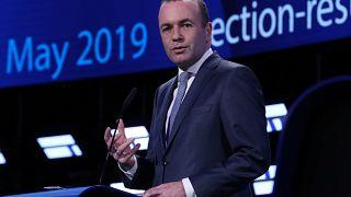 Avrupa Komisyonu başkanlığı Fransa ve Almanya'yı karşı karşıya getirdi